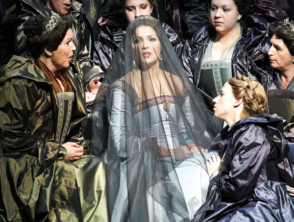 Tale of Two Queens NEtrebko hdl 911