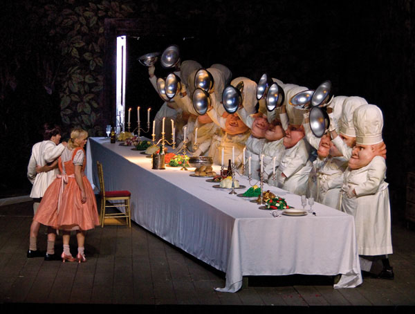 OPERA NEWS - Metropolitan Opera Broadcast: Hansel and Gretel