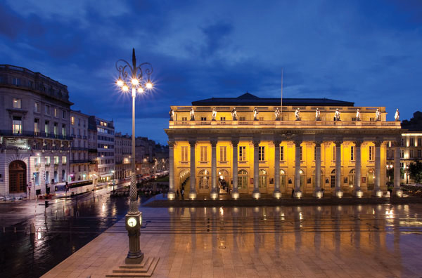 OPERA NEWS - A Taste of Bordeaux