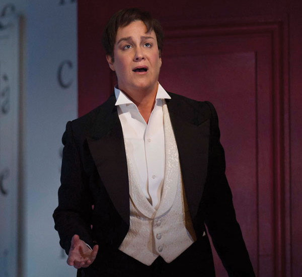 OPERA NEWS - Singing in the Moment