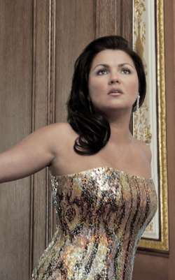 Summer Reading Netrebko sm 714