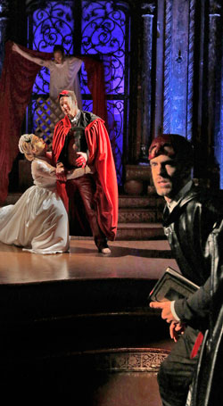 In REview Venture Opera Don Giovanni 2 sm 1215