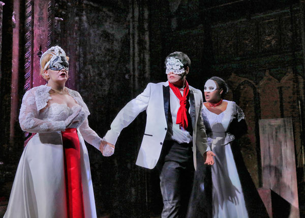 In Review Venture Opera DOn Giovanni hdl 1215